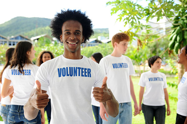 70% of wealthy parents make their children volunteer 10 hours or more a month
